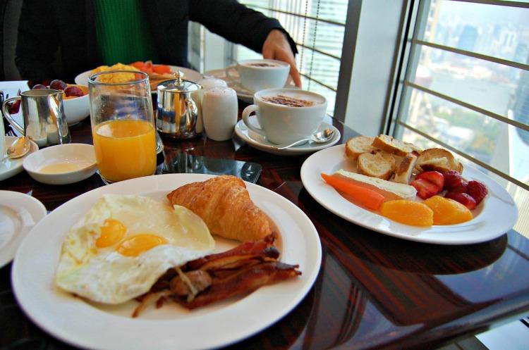 01 fashion shanghai jinmao breakfast blogger eggs 10third hot