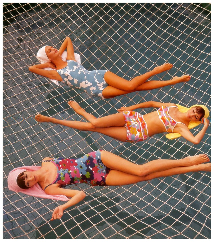 marola-witt-katherine-pastrie-and-model-at-the-swimming-pool-on-the-cruise-ship-22hanseatic22-published-in-constanze-mode-springsummer-1964-b